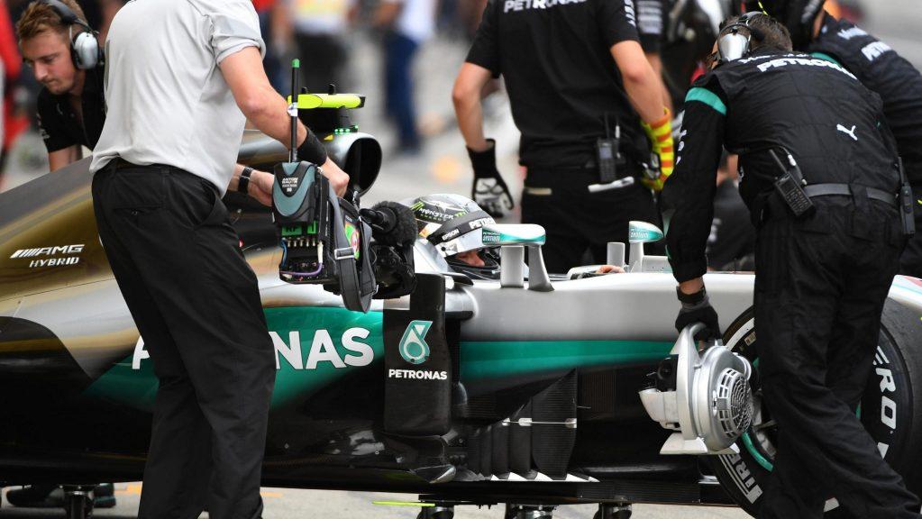F1 qualifiche Suzuka: Rosberg, pole da 30 e lode.