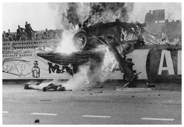 24h le mans storia della gara 1955 l 39 incidente che cambio 39 la storia dell 39 automobilismo. Black Bedroom Furniture Sets. Home Design Ideas